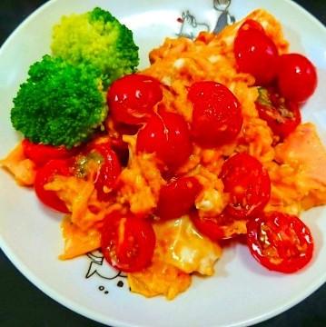 S&B菜館「トマトと玉子のとろふわ炒め」 ミニトマトで料理