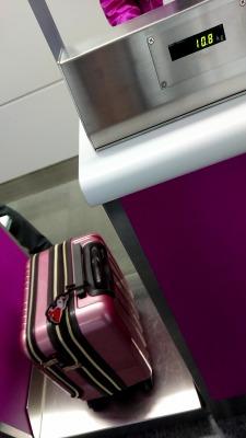 LCC 格安航空会社ピーチ 受託手荷物 重量測定